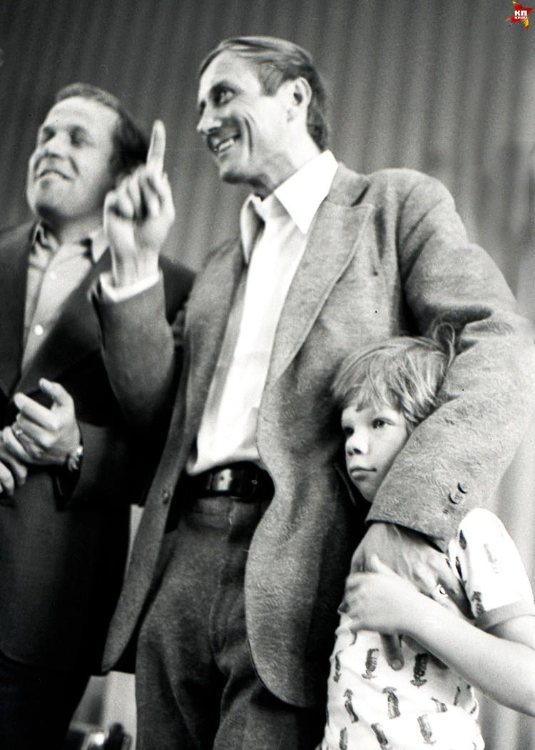 Евгений Евтушенко и сын. Фото: Григорий Шалакин
