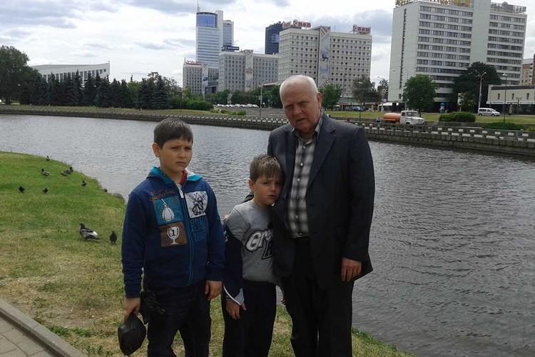 У Валентина Николаевича двое внуков. Фото: личный архив