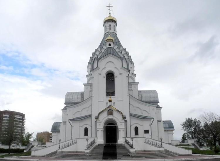 Храм Архистратига Михаила и Чуда его в Хонех: верующие и духовенство этого прихода выступили против поругания.
