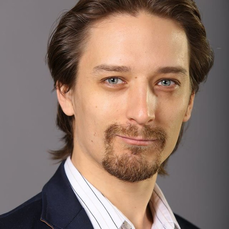 Адвокат Владимир Васин помог Ирине избежать приговора.