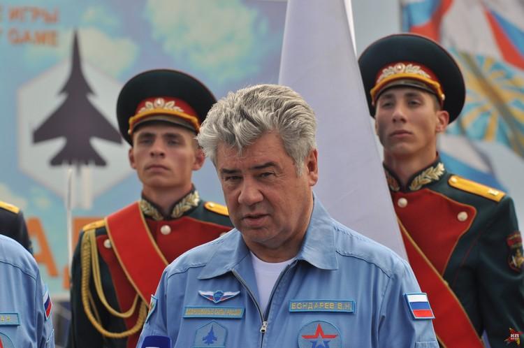Главнокомандующий воздушно-космическими силами, генерал-полковник Виктор Бондарев.