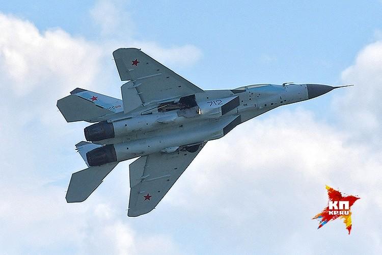 Миг-35 в воздухе над Жуковским.