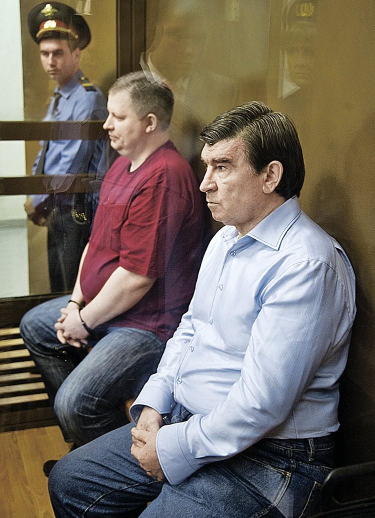 Юрия Буланова (на переднем плане) обвинили в растрате 30 миллионов рублей. Экс-префект получил 3,5 года колонии. Фото: Михаил ФОМИЧЕВ/ТАСС
