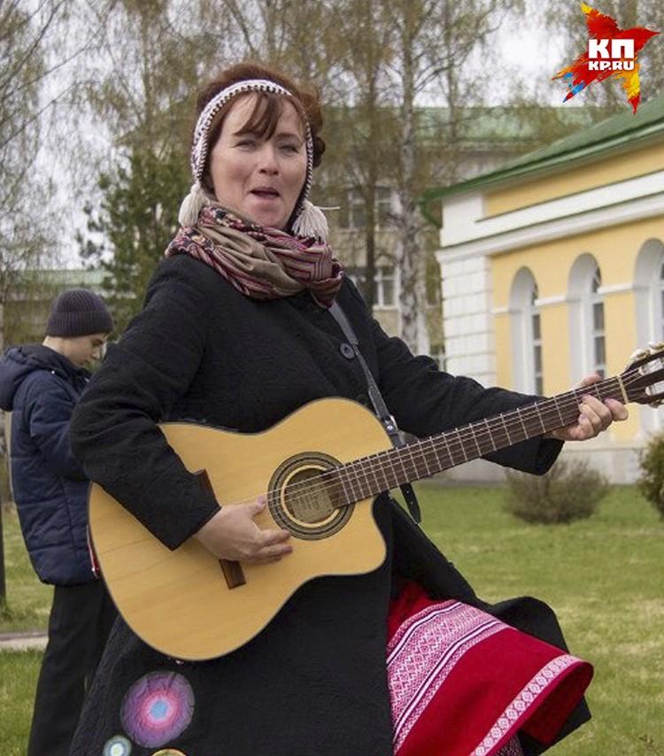Надежда Уткина - лауреат и дипломант республиканских, межрегиональных и всероссийских конкурсов и фестивалей эстрадной и авторской песни