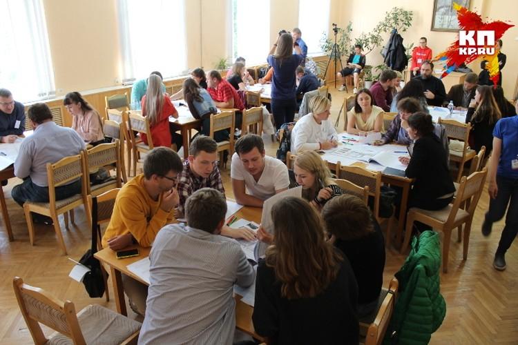 обсуждение концепции благоустройства центральных улиц и площадей Твери, в котором принимали участие ведущие архитекторы консалтингового бюро «Стрелка»