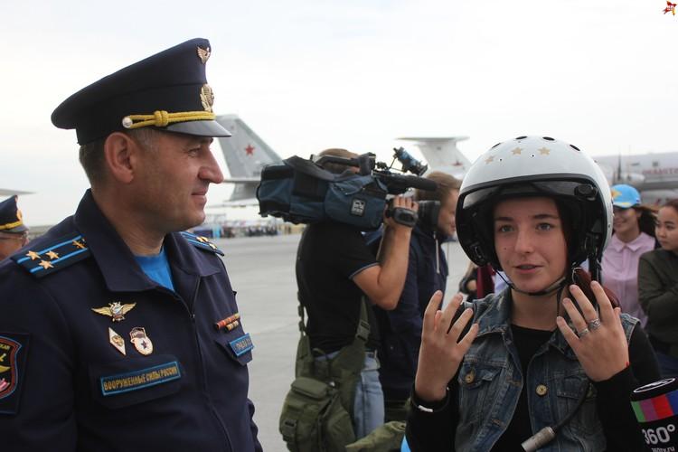 """Виктория Афанасенко: """"Шлем довольно массивный, но в принципе удобный""""."""