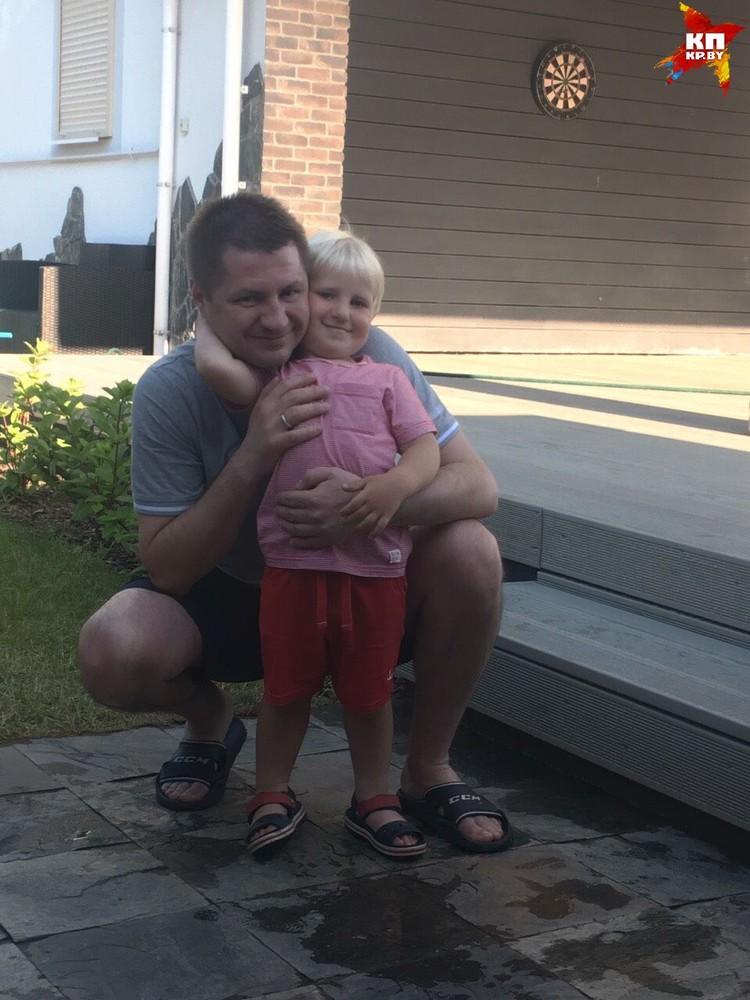 С сыном Андрюшей. Фото: личный архив.