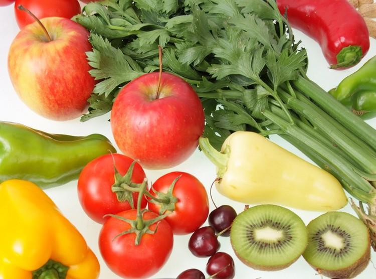 Здоровая и полезная пища дает ключ к долголетию.