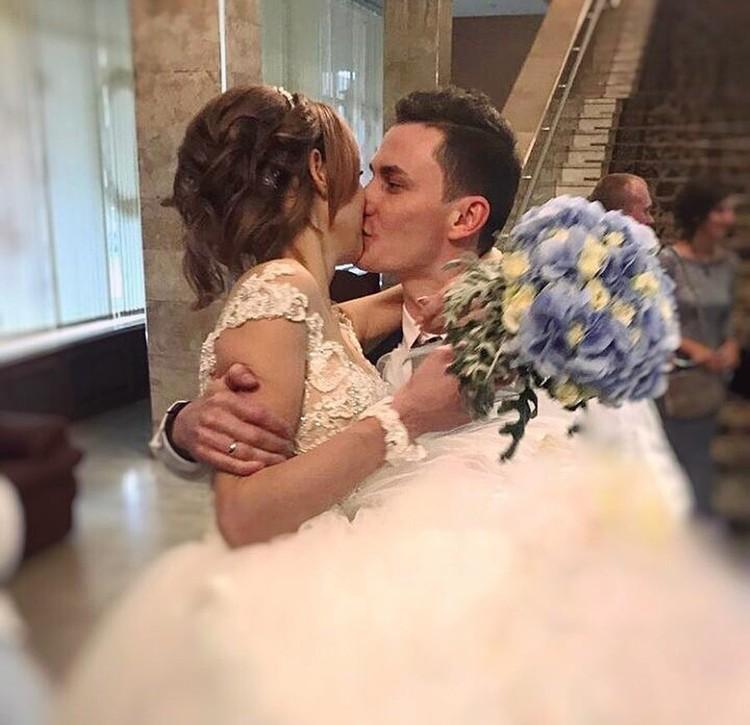 Церемония бракосочетания состоялась сегодня в Москве.