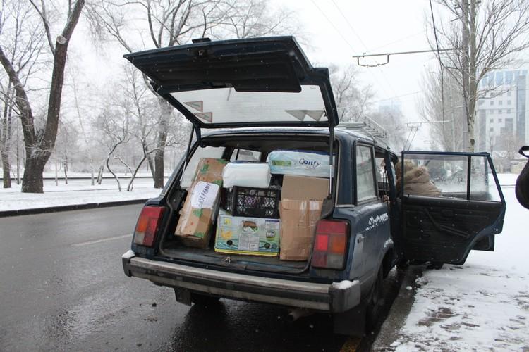 Наша спасительница Юлия загрузила весь багажник