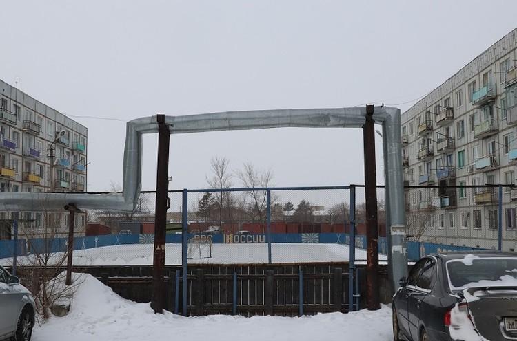Стадион в военном городке, где жила семья летчика Филипова