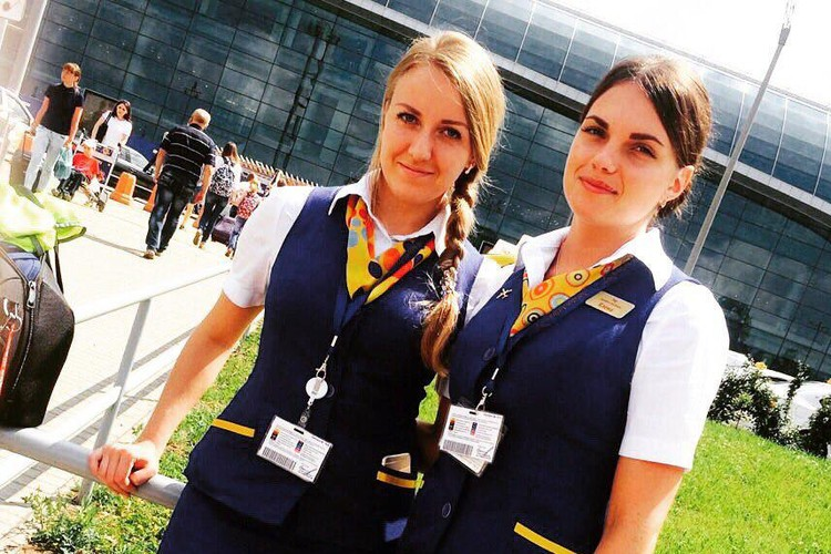 Анастасия (слева) совершенно не боялась полетов, говорят ее коллеги.