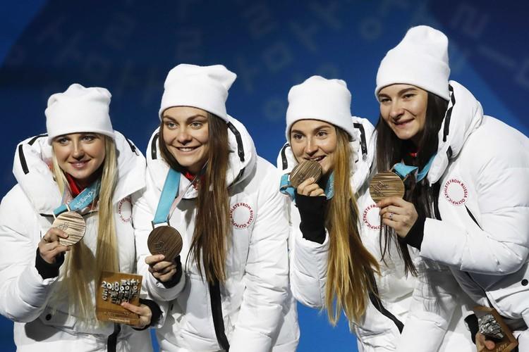 Наталья Непряева, Юлия Белорукова, Анастасия Седова и Анна Нечаевская
