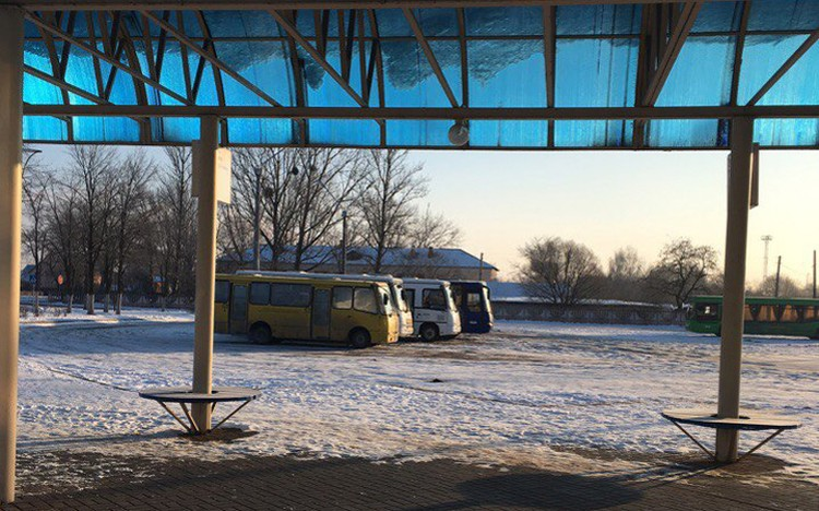 Это автобусы государственного перевозчика - единственная возможность добраться в Минск. Фото: соцсети.