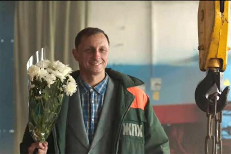 Резидент «Камеди-клаба» Вадим Галыгин очень своеобразно поздравил женщин с 8 марта. Фото: кадр видео