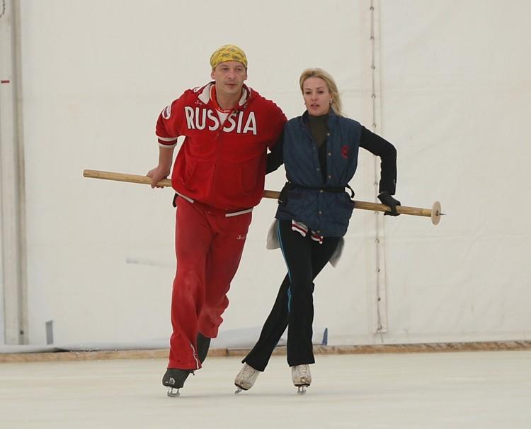 """В 2009 году Ирина каталась в паре с Дмитрием Марьяновым на проекте """"Ледниковый период""""."""