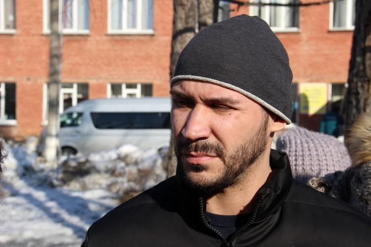 Артема Зайцева объявили сотрудником президентской охраны. На деле же он занимается концертной деятельностью.