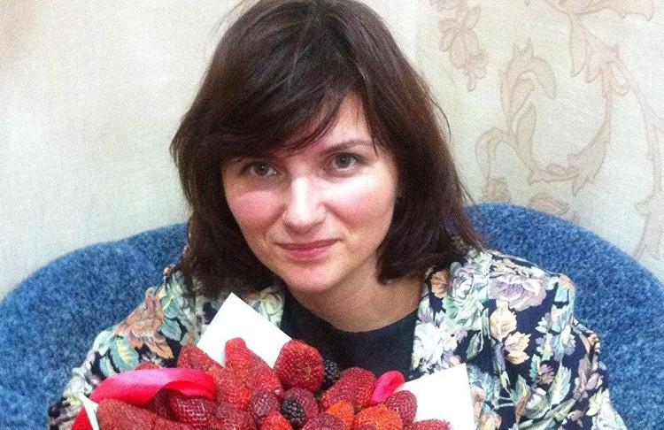 Учительница Татьяна Дарсалия погибла, пытаясь спасти детей из объятого огнём и дымом помещения.