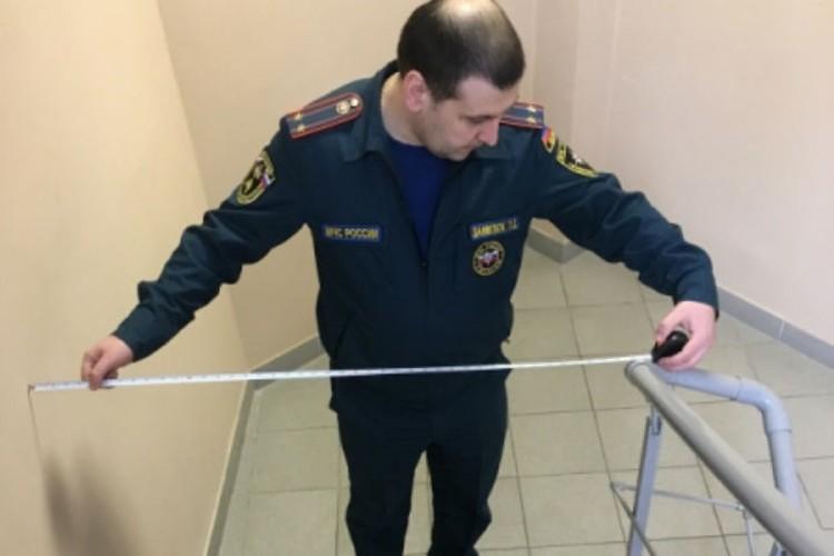 Инспекторы МЧС все проверяли с точностью до сантиметра. ФОТО: 78.mchs.gov.ru