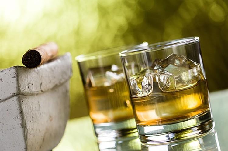 Американский алкоголь у нас пьют только состоятельные люди