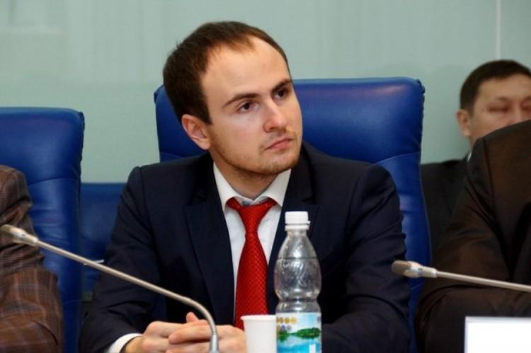 За год доход Миеева-младшего увеличился в пять раз, а его жена и вовсе заработала 19 миллионов. Фото Волгоградской облдумы.