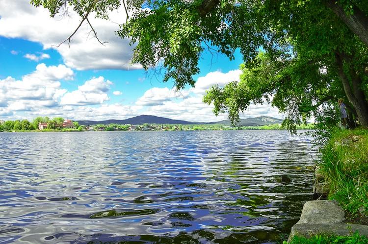 Тур в Кыштым: каслинский каскад озер и каналов, возникших в демидовские времена. Фото: Лариса ЩЕПЕТОВА