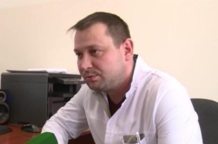 Федор Напольников - один из талантливейших детских хирургов России - получил ранение груди, защищая храм от террористов.