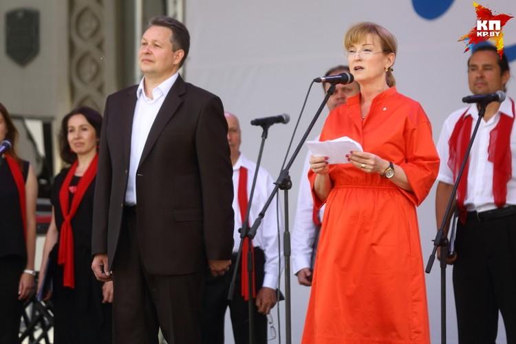 Посол Швеции в Беларуси Кристина Юханнессон и председатель Мингорисполкома Андрей Шорец.