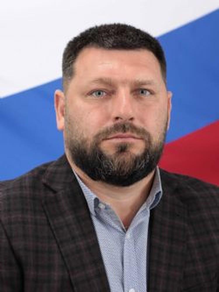Единственным конкурентом Гладких стал Владимир Евстратов. Фото: пресс-служба думы Находки