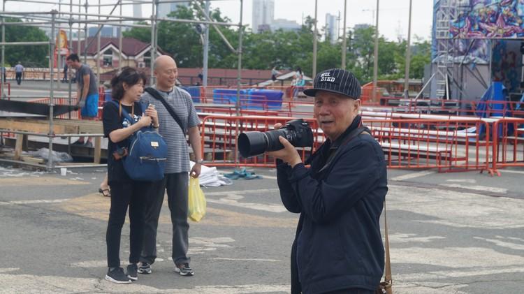 Китайцы фотографиовали митингующих