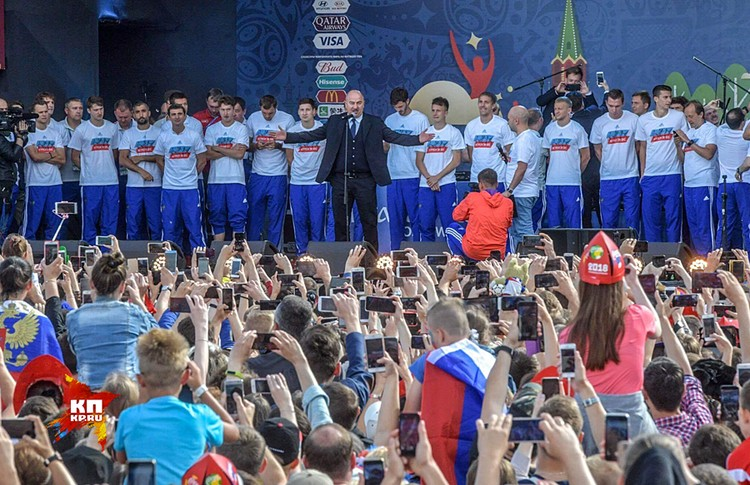 """Мы говорим """"спасибо"""" за выход в 1/4 чемпионата мира и равную борьбу с хорватами"""