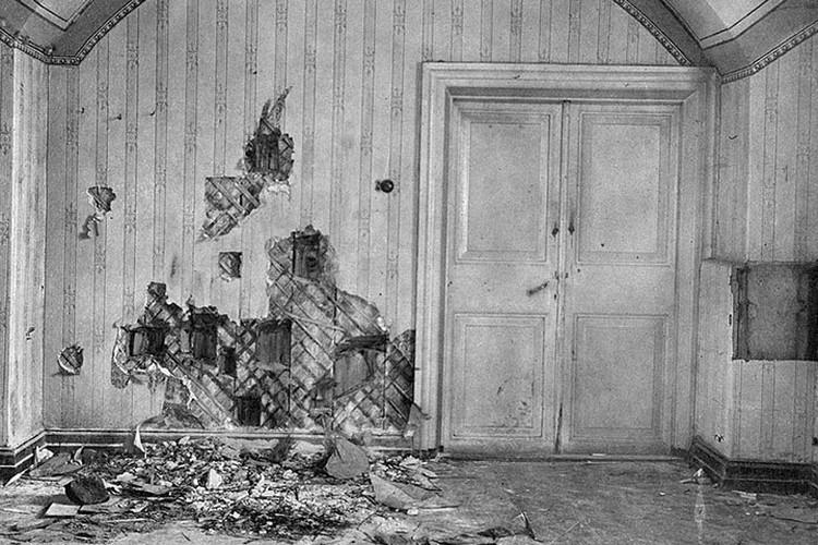 Подвал дома Ипатьева в Екатеринбурге, где была расстреляна царская семья. Фото: ГА РФ