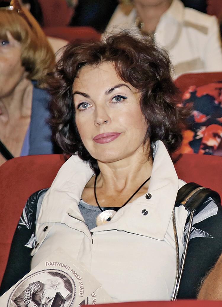Вдова писателя Елена Бомбина.