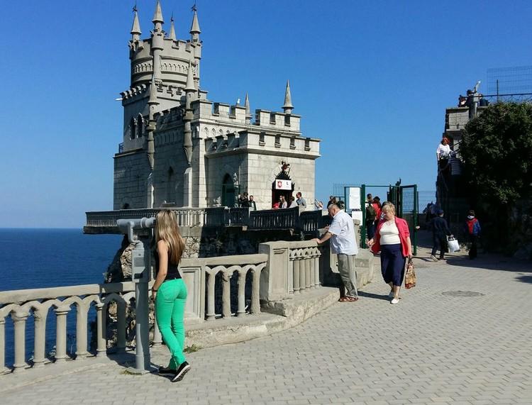 В Крыму в этом году ждут 6,5 миллионов туристов. За полгода уже отдохнули 3,2 миллиона человек.