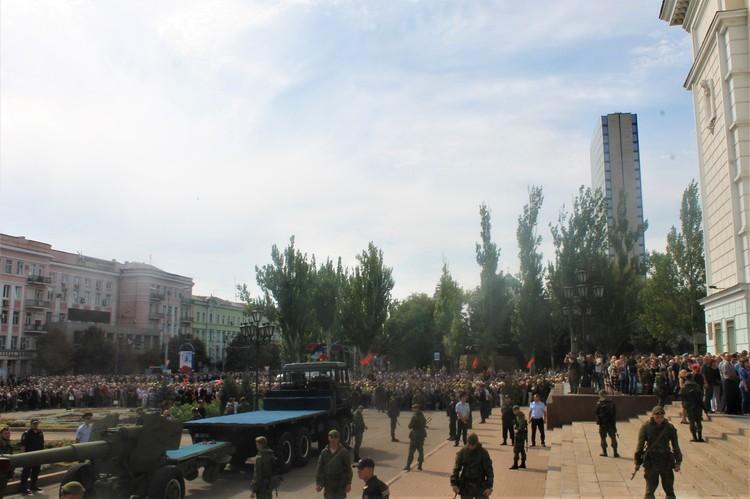 На прощание с лидером Донбасса пришли около 200 тысяч человек
