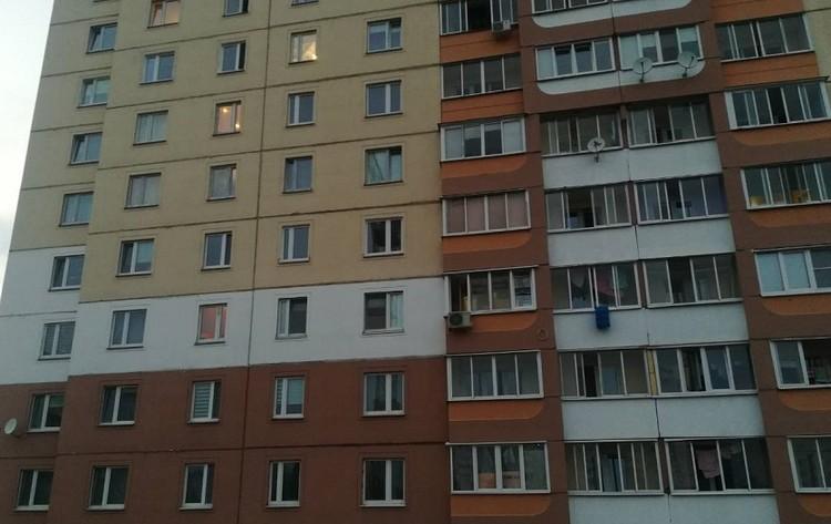 Годовалый мальчик упал с высоты седьмого этажа, но, к счастью, остался жив. Фото: СК РБ