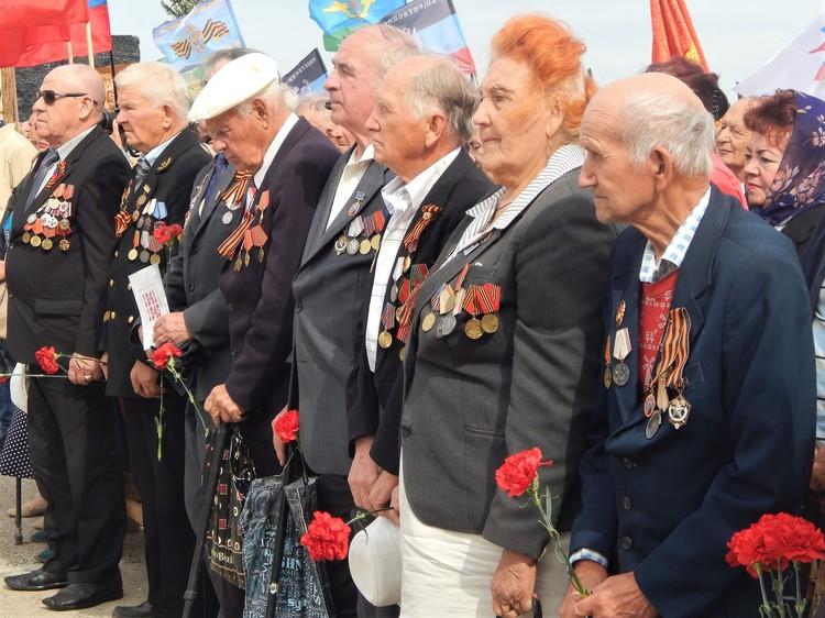 Герои Великой Отечественной войны не могли сдержать слез.