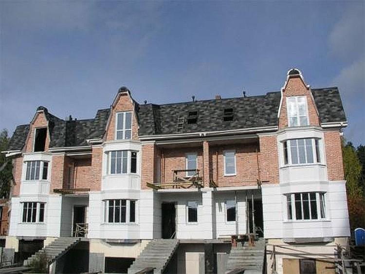 Поселок строили семь лет. Фото: скан с видео