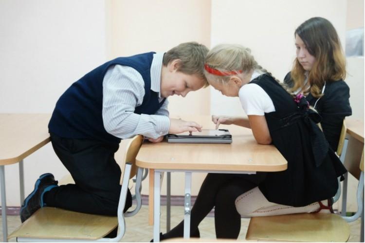 Дети с легкостью верят всему, что пишут в интернете и соцсетях