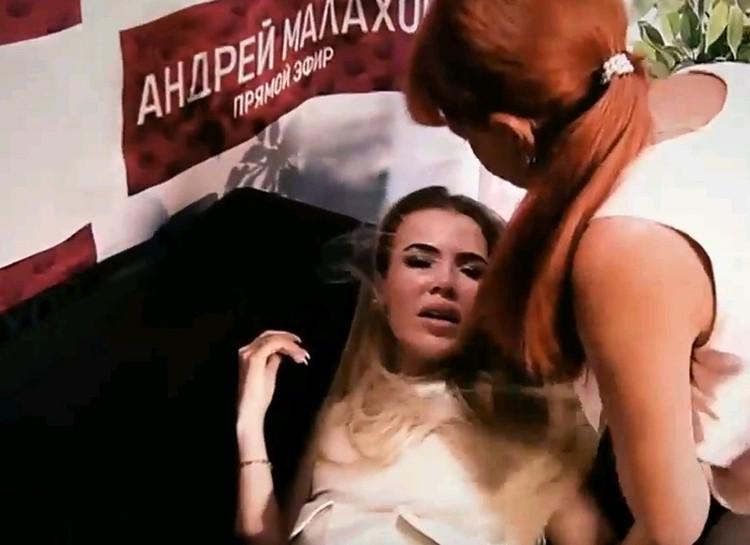Во время съемок Дарья потеряла сознание и ей вызвали скорую.