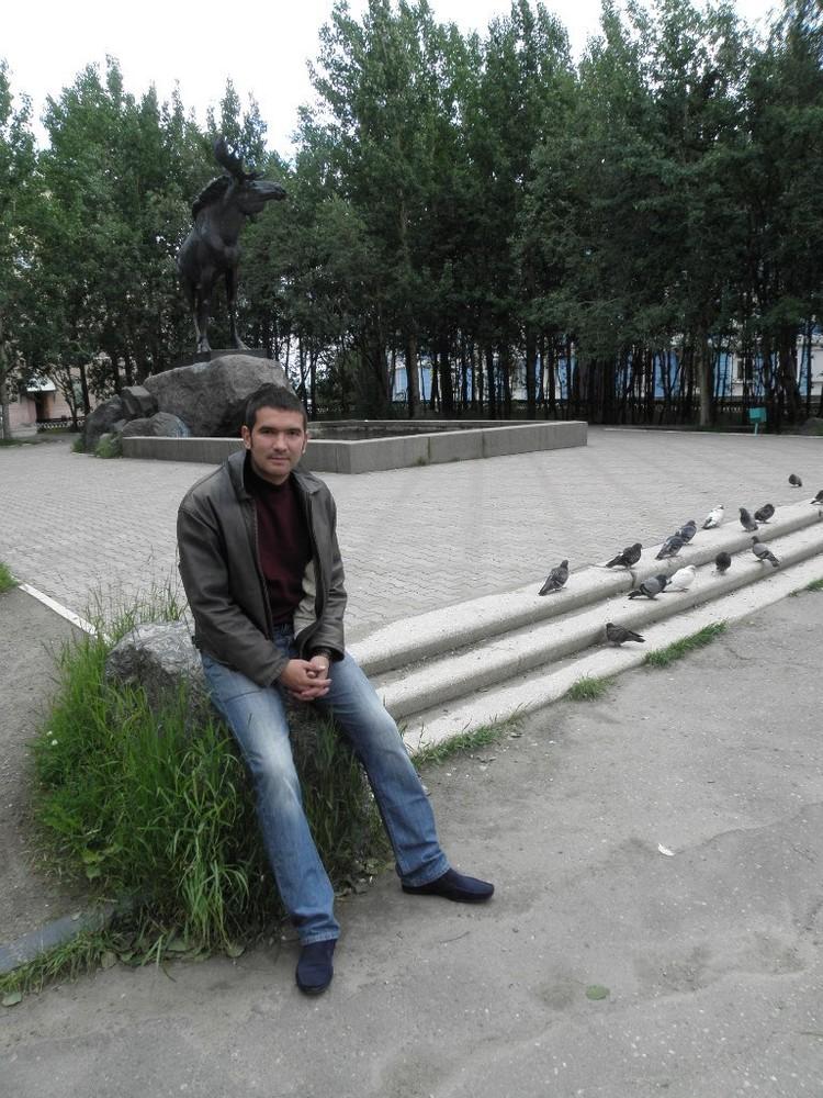 Григорий закончил исторический факультет Чувашского педагогического университета.