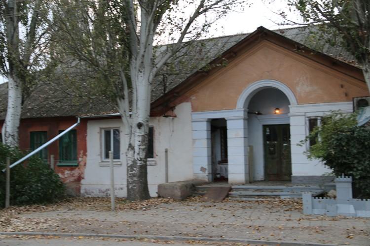 Влад Росляков жил в однокомнатной съемной квартире вместе с мамой