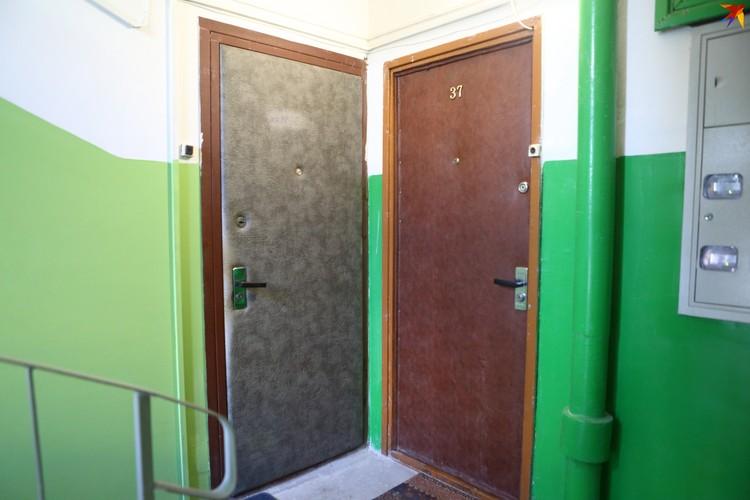 минчанин из дома № 15 на проспекте Пушкина поселил у себя в однушке кабана.
