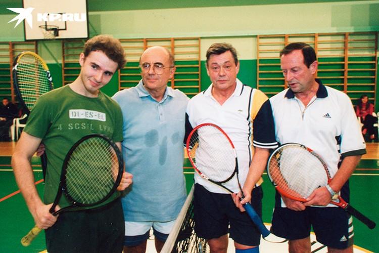 До судьбоносной аварии в 2005 году Караченцов обожал играть в большой теннис. Фото: из архива Александра Запесоцкого