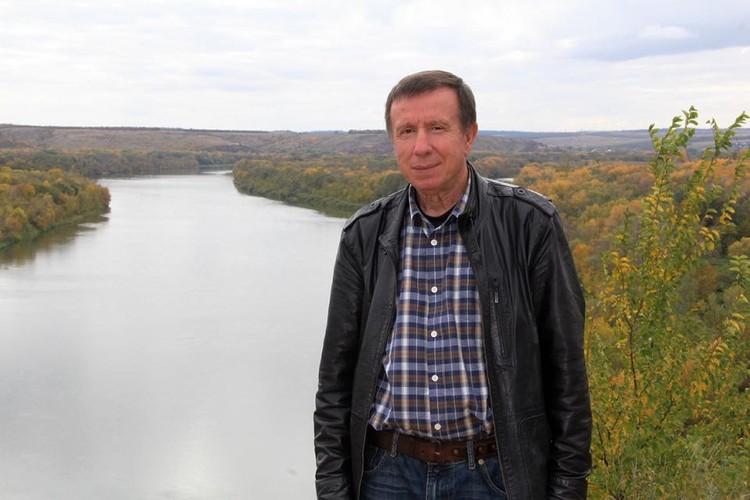 Писатель Николай Старченко