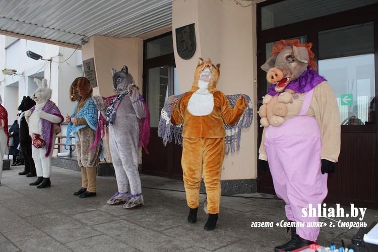 Актеры, особенно свинья, выглядели незабываемо. Фото: shliah.by