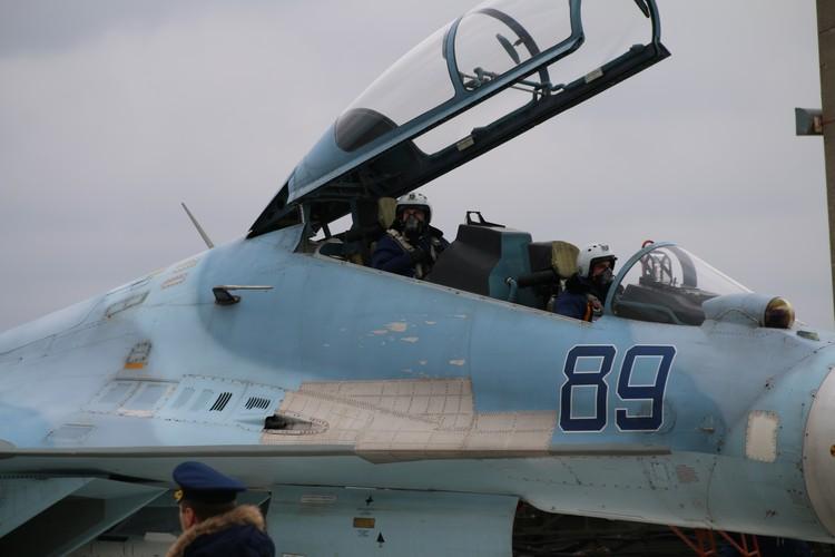 Летчики прибыли в Крым из Краснодарского края