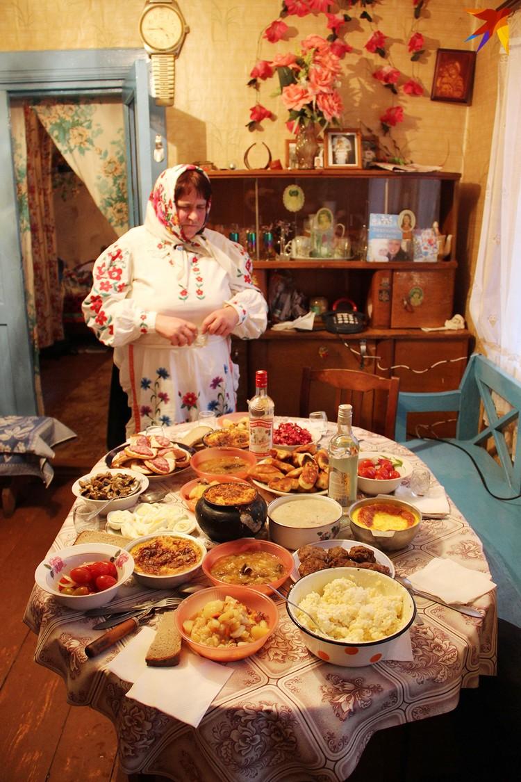 К богатой кутье на Щедрый вечер старались приготовить 12 блюд. Фото: Татьяна КУХАРОНАК
