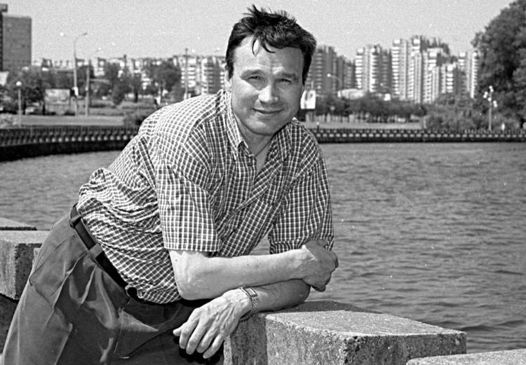 В 90-е Андрей Михайлович уже делал попытку совмещать тренерство хоккейной сборной Беларуси и минского «Динамо». Чем обернется вторая попытка спустя 25 лет? Фото: личный архив.