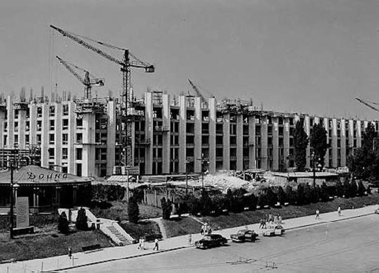 Дом правительства только строится. Фото: «Кишиневцы»/facebook